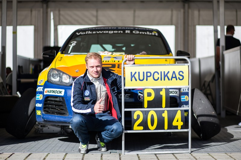 polish champion   stars   legendary track vw golf cup